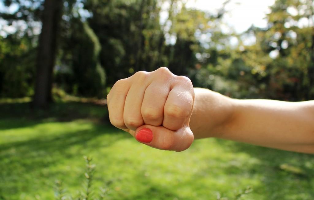 Kobieta i nóż, czyli słowo o przemocy