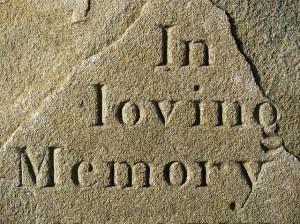Nagrobek, cmentarz. Połączenie życia i śmierci.