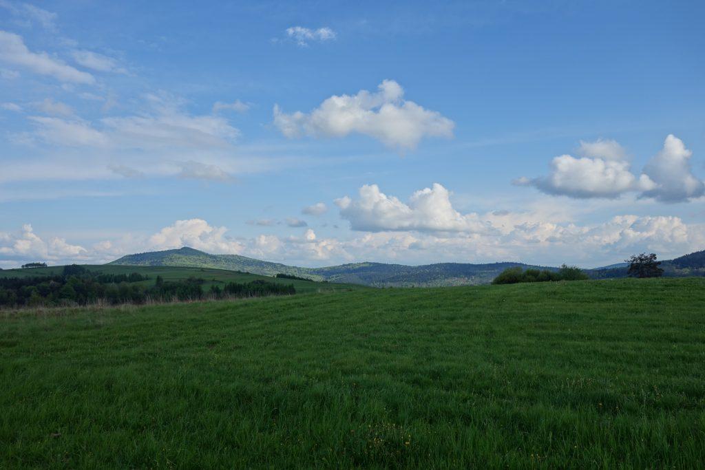 Widok z grodziska Walik na wschód