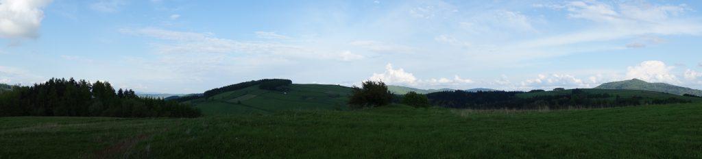 Widok z grodziska Walik na północną stronę