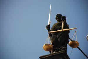 Sąd sądem, ale sprawiedliwość musi być po naszej stronie
