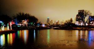 Wieczorny widok z Lincoln Park ZOO na południe.