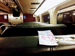 Powrót kolejką Metra Union z Ogilvie Transportation Center do stacji Mount Prospect. Można spać. Konduktor sam sprawdzi bilet, bo na wierzchu.